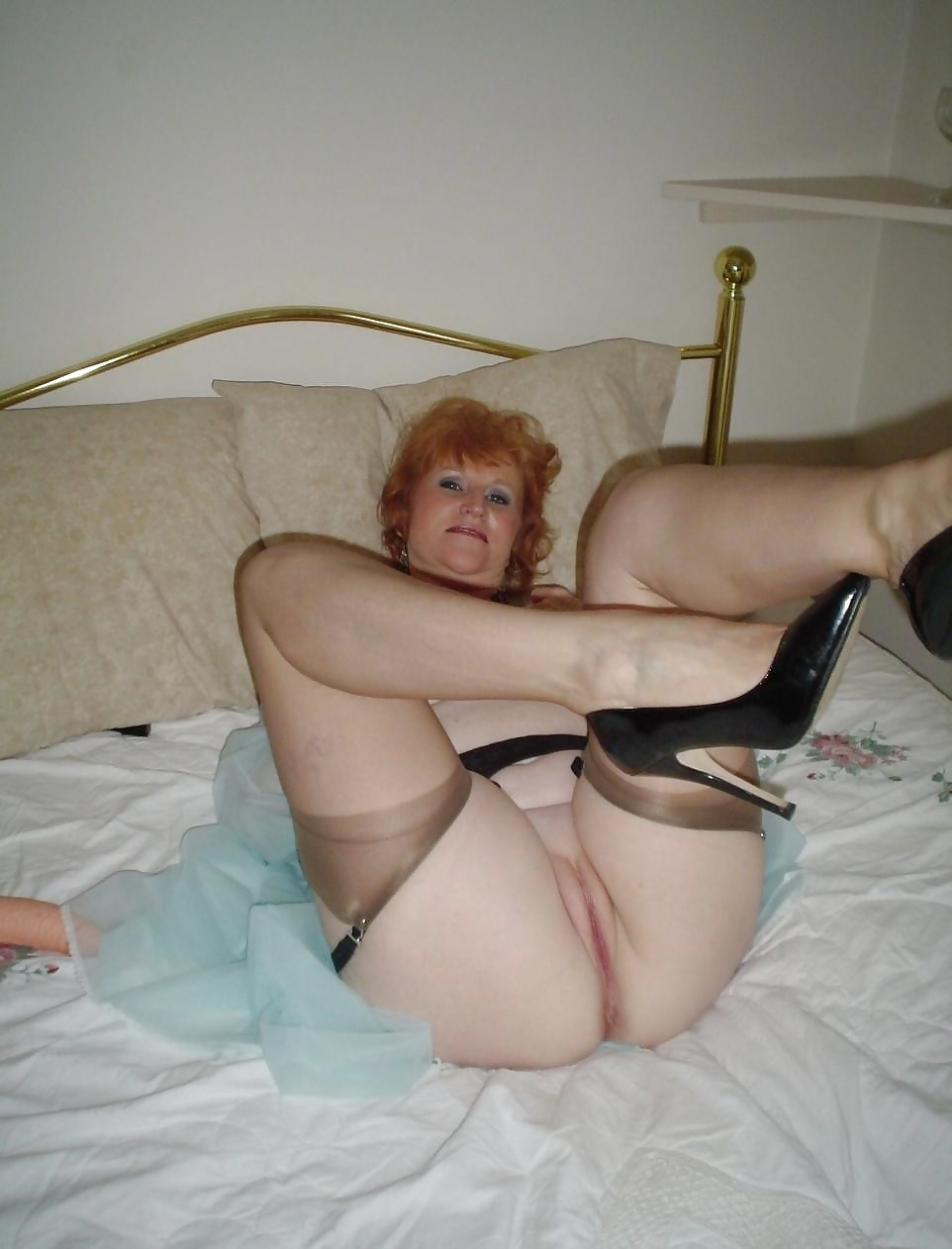 free mature stockings pictures